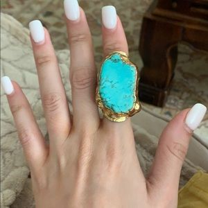 Gorgeous turquoise and gold ring